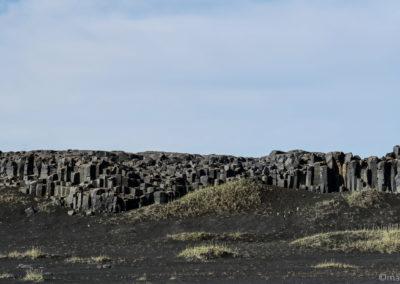 Depuis la F88, vue sur le basalte