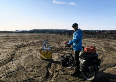 Malbik Endar, outwash de Holuhraun - Gaesavatnaleid à vélo