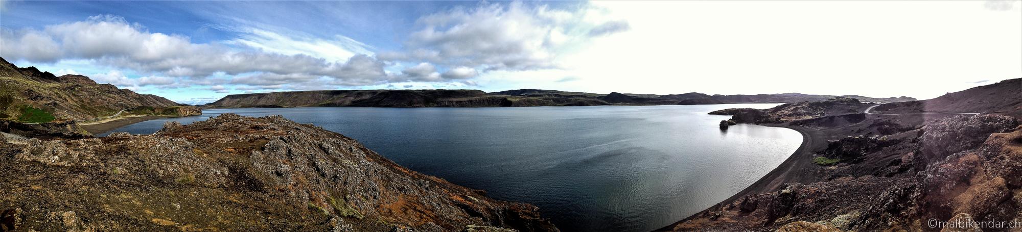 A vélo en Islande, lac de Kleifarvatn - la piste est maintenant presque entièrement goudronnée