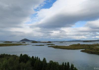 Vue sur le lac de Myvatn depuis Höfdi