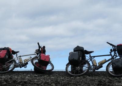 Islande à vélo - pause sur la route Keflavik - Reykjavik