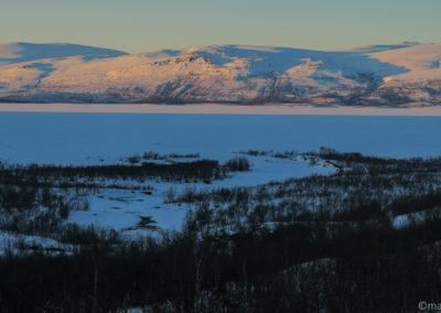 Coucher de soleil sur le lac Torneträsk à Abisko