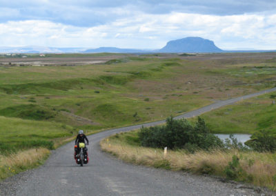 Voyage vélo en Islande avec vue sur Hekla