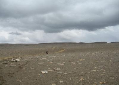 Voyage vélo en Islande- sur les hauts-plateaux la piste semble aller nulle part